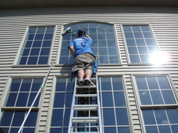 window cleaning in bloomington illinois