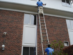 gutter cleaning in bloomington il