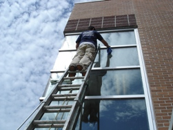 window cleaning in Le Roy Illinois